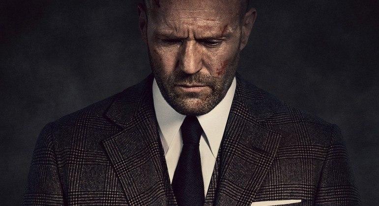 No suspense sombrio, Statham interpreta H, um solitário misterioso