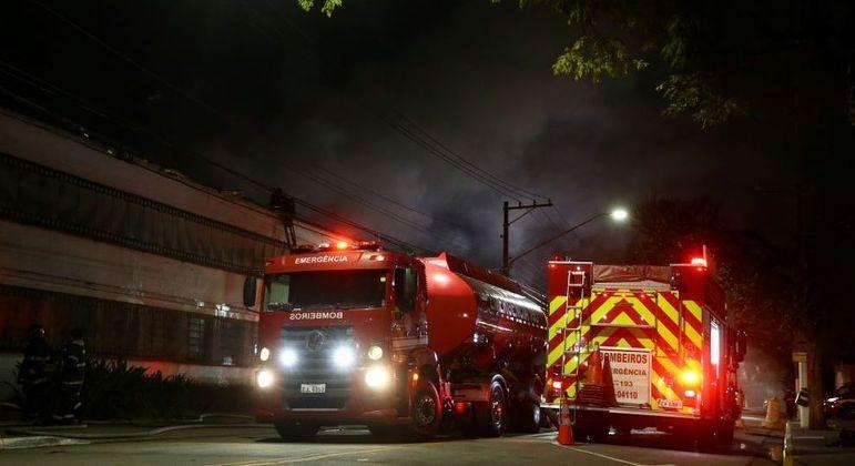 Incêndio atingiu galpão da Cinemateca na quinta-feira (29)
