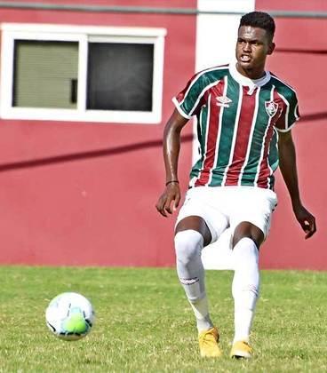 Cipriano - 18 anos - zagueiro - contrato com o Fluminense até 31/12/2024