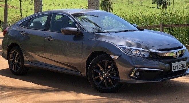Honda Civic é o segundo mais vendido no segmento de sedãs médios