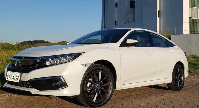 Civic Touring CVT custa a partir de R$ 134.900. Vale a pena a compra?