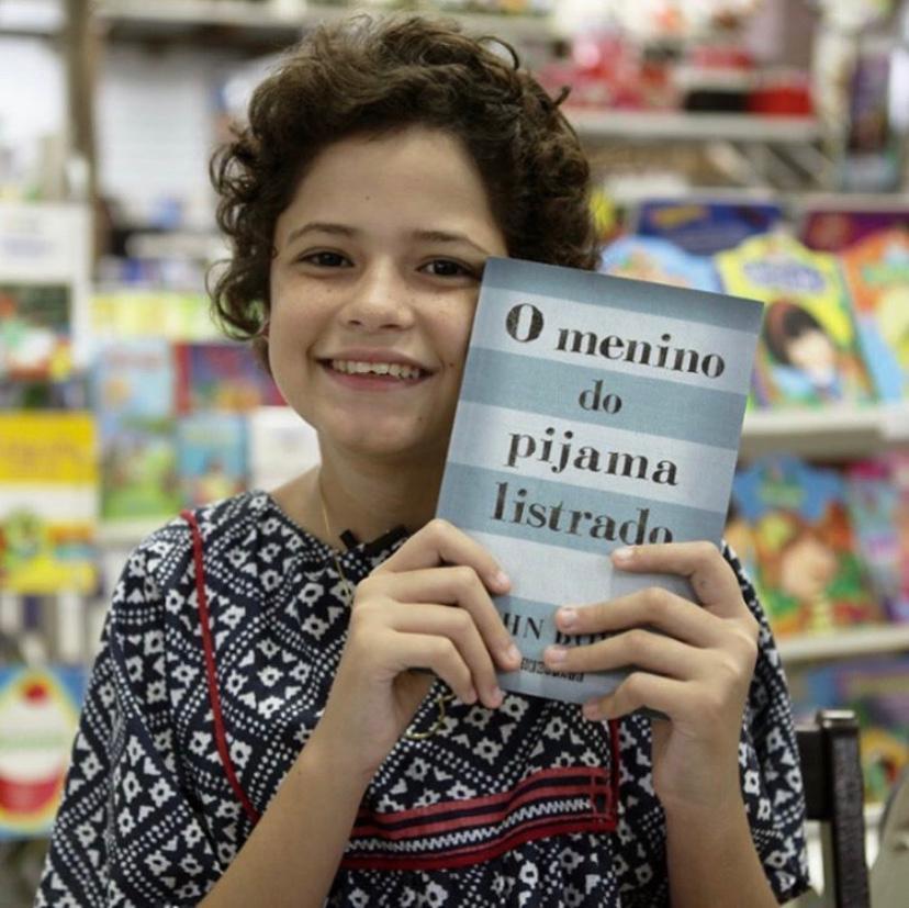 """""""O menino do pijama listrado"""" é um dos livros favoritos de Clara"""