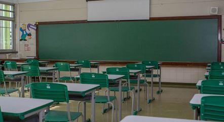Professores foram incluídos no grupo prioritário no Rio
