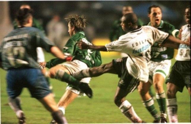 Quatro anos depois, em 1999, o Corinthians mais uma vez se deu melhor sobre o maior rival no estadual. No jogo de ida, atropelou com um 3 a 0, com gols de Edílson, Carioca e Dinei, e, na volta, empatou por 2 a 2, com novamente gols de Edílson e Marcelinho