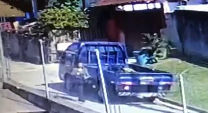 Mulher deixou mochila no lixo antes de escapar