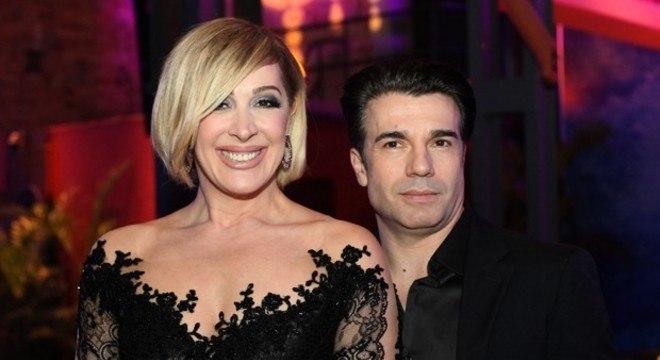 Claudia Raia e Jarbas Homem de Mello estão juntos há oito anos