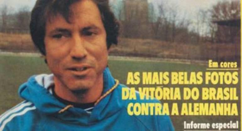 """Cláudio Coutinho, na capa da revista """"Manchete Esportiva"""", na época da excursão de 1973"""