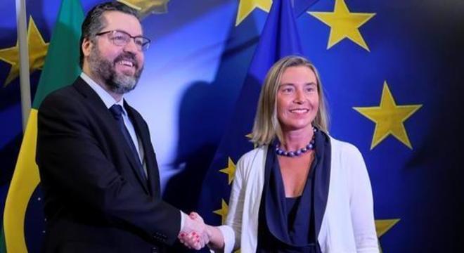 Ernesto Araújo com a Federica Mogherini, chefe de diplomacia europeia