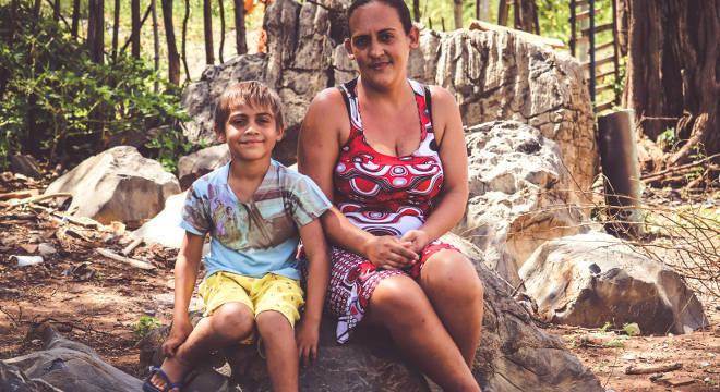 A mãe conta que o menino ficou mais estudioso depois de ingressar na escola do Nova Canaã