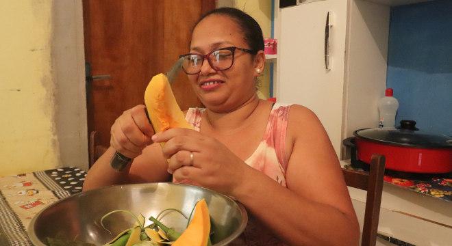 Cleidivane Rosa de Andrade trabalha como monitora na região em que mora, no sertão nordestino