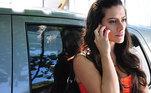 2011 —Qualquer Gato Vira Lata(Tati)Leia:Cleo assume namoro com modelo e se declara com música de Rosalía
