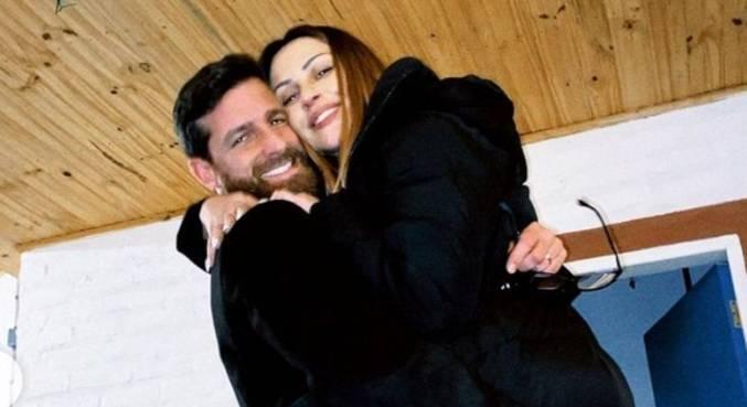 Cleo e Leandro usaram looks pretos durante casamento