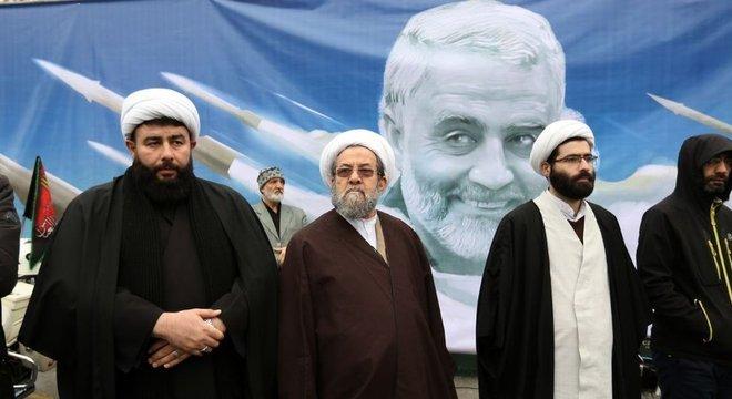 Muitos clérigos xiitas participaram de manifestações no Irã e no Iraque após morte do general Soleimani