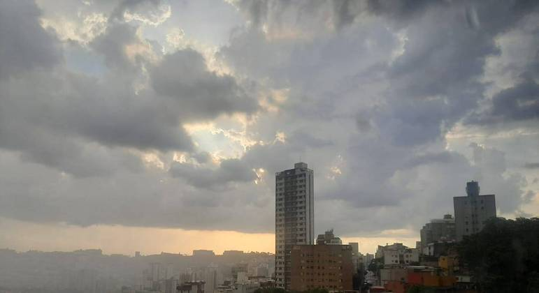 Tempo muda em SP e máximas caem para 24ºC com previsão de chuva nesta quarta (15)