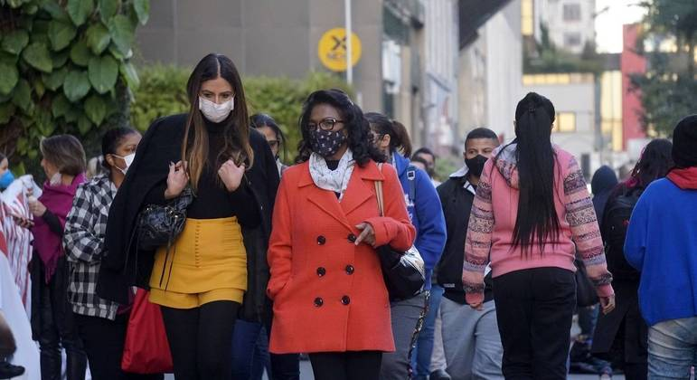 Temperatura não deverá ultrapassar os 25ºC na capital neste domingo (11)