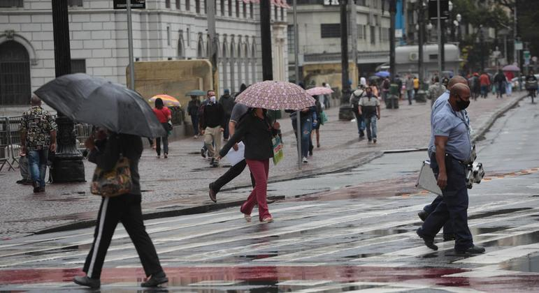Temperatura máxima na capital deverá chegar aos 22ºC nesta quarta (12)