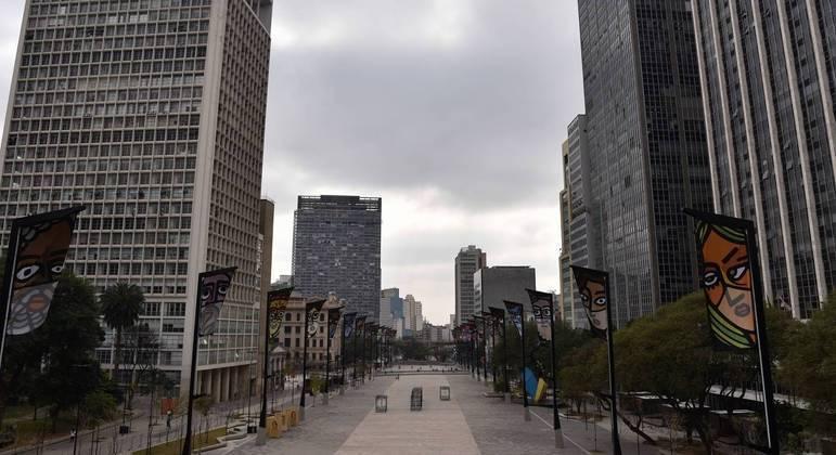 Temperatura máxima não deverá ultrapassar os 17ºC nesta quinta-feira (12) na capital
