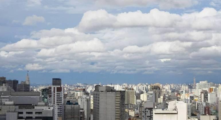 Com temperaturas, amenas a cidade de SP deverá registrar mínima de 15ºC  nesta quarta (14)