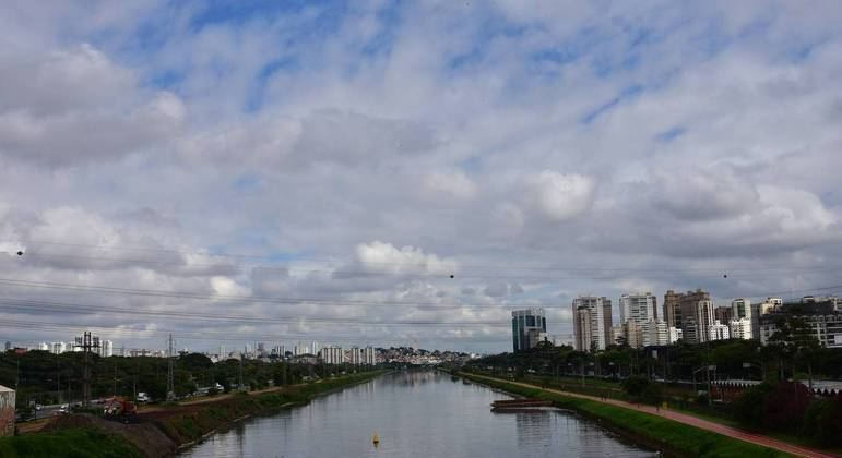 Temperatura em São Paulo terá máxima de 26ºC e sem previsão de chuva nesta quinta (15)