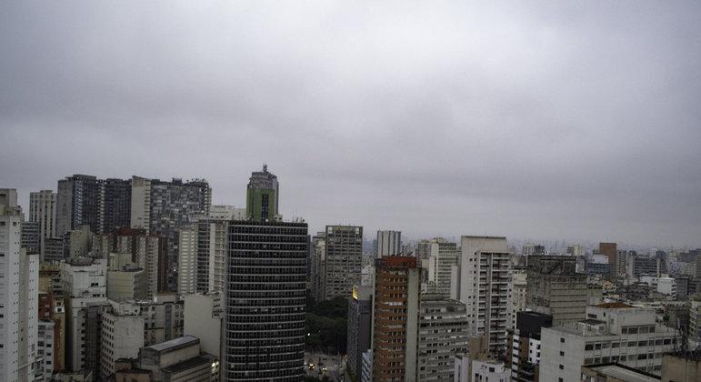 Temperatura em São Paulo não deve ultrapassar os 22ºC nesta terça (18)