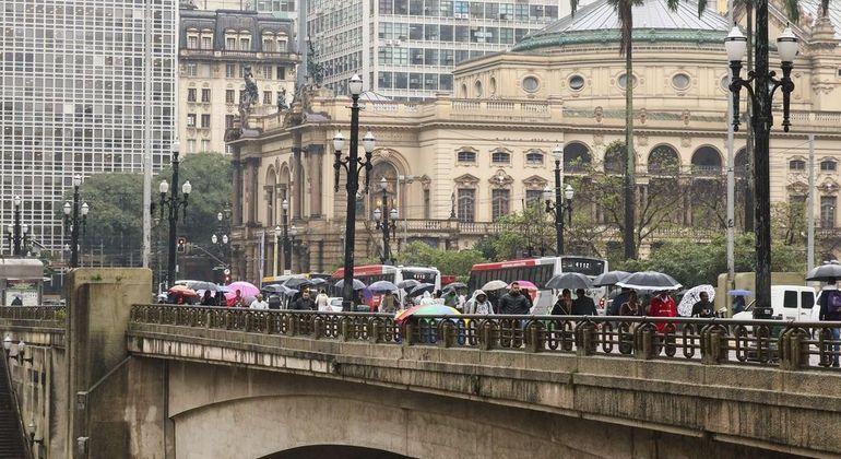Temperatura não deve ultrapassar os 20ºC na cidade de São Paulo neste domingo (30)