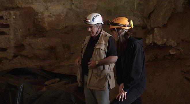 Clive Finlayson, diretor de arqueologia do Museu de Gibraltar, diz que os neandertais poderiam ter prosperado na caverna de Gorham Hábitos de caça