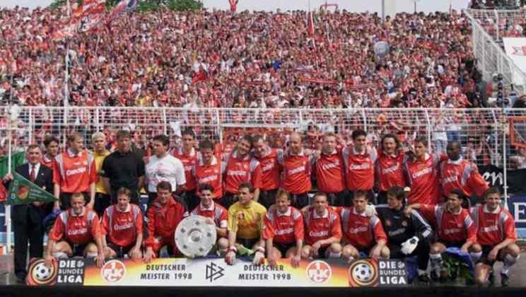 Clube com rica história na Alemanha, o Kaiserslautern declarou falência neste ano. Na terceira divisão e devendo em torno de 24 milhões de euros (cerca de R$ 140 milhões), o objetivo é reestruturar o clube rapidamente.