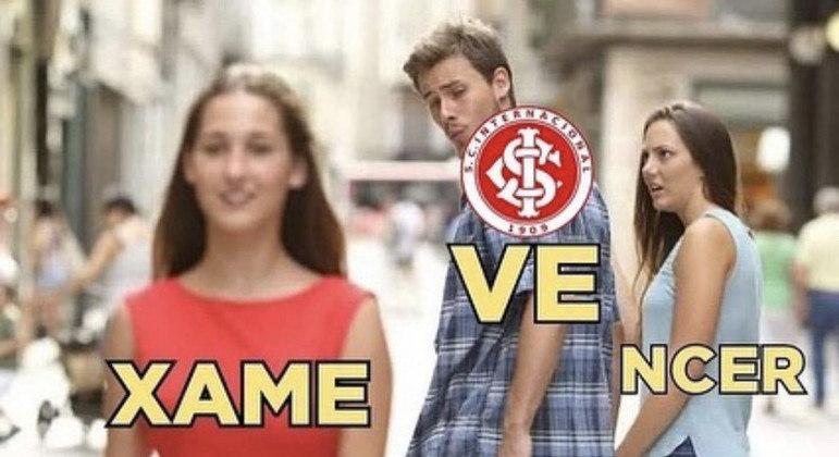 Clube gaúcho perdeu por 3 a 1 para o Vitória na partida de volta (3 a 2 no agregado) e deu adeus à disputa da competição. Nas redes sociais, não faltaram provocações com o Colorado. Confira! (Por Humor Esportivo)