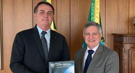 Barbosa diz que Executivo é o único a cumprir a Constituição