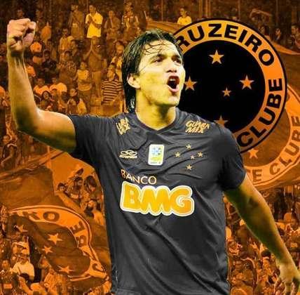 Clubes de futebol mudam as cores tradicionais: Cruzeiro