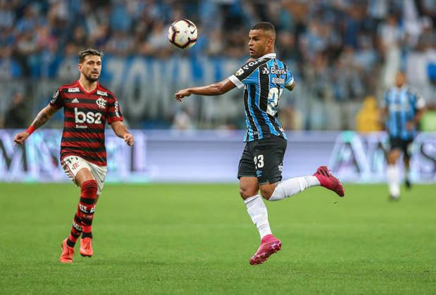 10º - Alisson - Grêmio - 15 dribles
