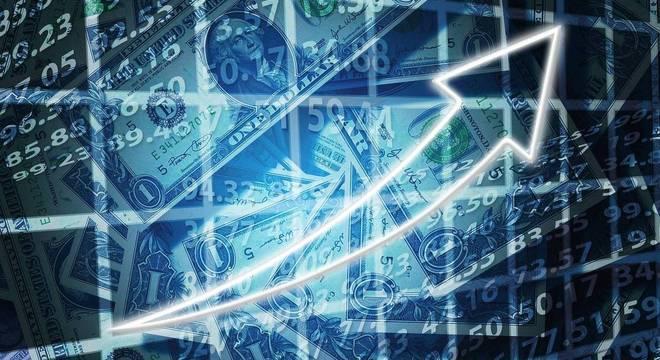 Papéis atrelados ao dólar, mesmo em alta, continuam atraindo investidores