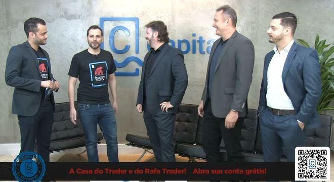 Vitor Baldi, diretor de operações da CM Capital, recebeu Rafa Trader, Wagner Marinho e Daniel Moura, do Team Urso