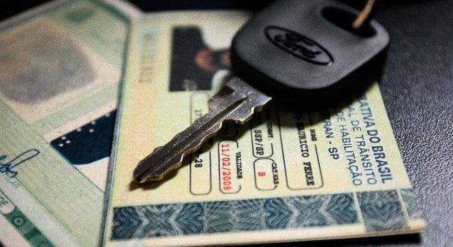 Somente 1,5 milhões de motoristas teriam documento suspenso em SP