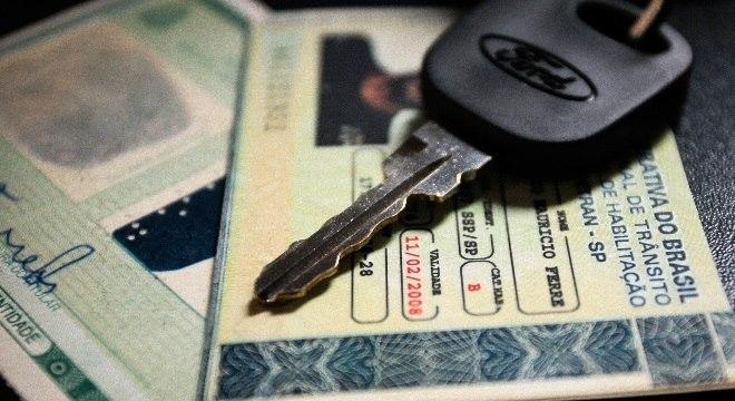 Tempo para tirar carteira de habilitação deve diminuir