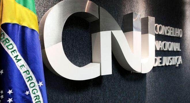 Brasil tem 30 mil crianças acolhidas e 5 mil aptas para adoção, diz CNJ