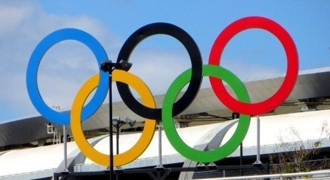 O símbolo olímpico, que bom, permanece intacto