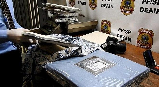 Cocaína foi encontrada dentro de embalagens de lençóis