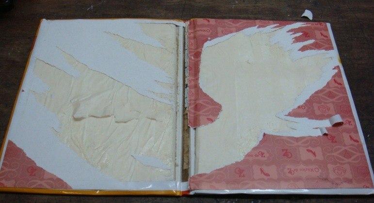 PF apreende cocaína dentro de capas de livros infantis em aeroporto de SP