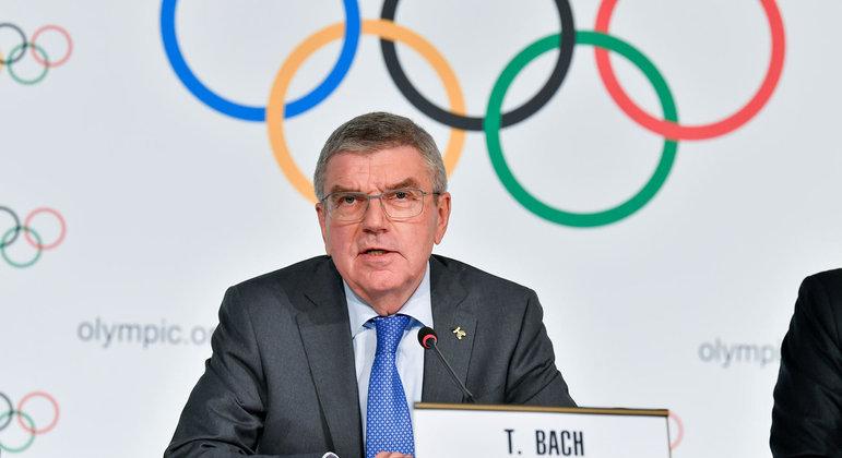 O presidente do COI, o alemão Thomas Bach, pressiona os países. Para a disputa da Olimpíada