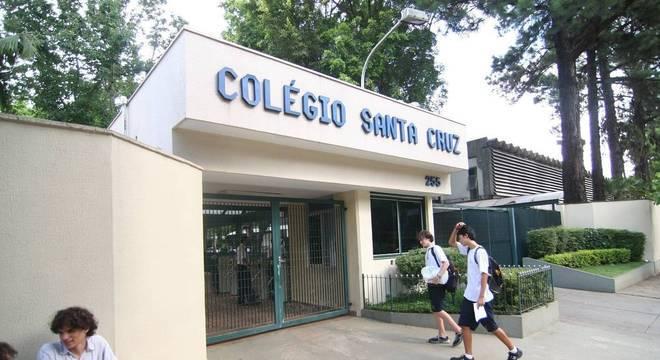 Estudantes do Colégio Santa Cruz são advertidos por praticar bullying