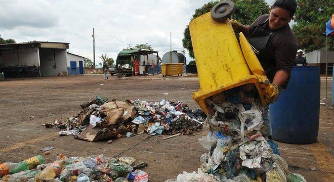 Motivo principal da disseminação de escorpiões é a ocupação irregular e desordenada das cidades, agregada a um saneamento básico precário e a toneladas de lixo