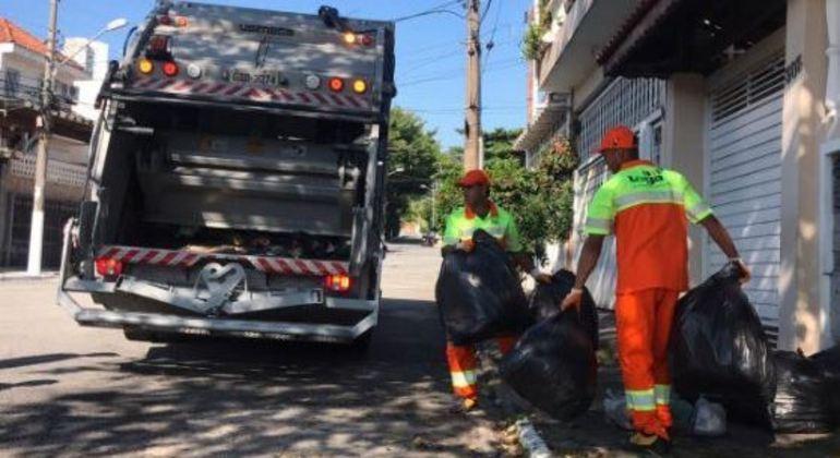 SP gasta R$ 2 bilhões por ano com a coleta de lixo, diz secretário de Saneamento