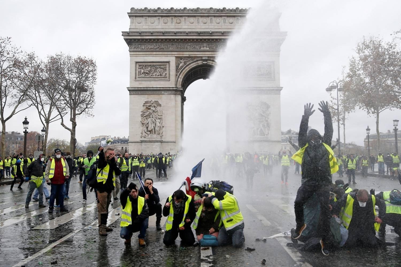 França teme mais violência com persistência dos coletes amarelos