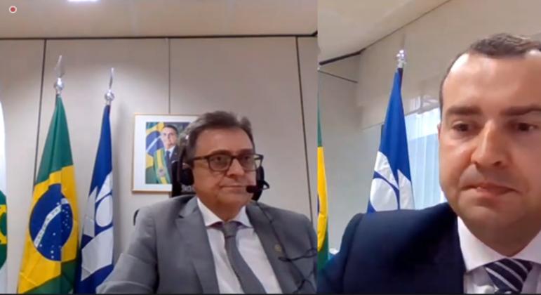 José Barroso Tostes Neto (à dir.) e Frederico Igor Leite Faber durante coletiva de imprensa
