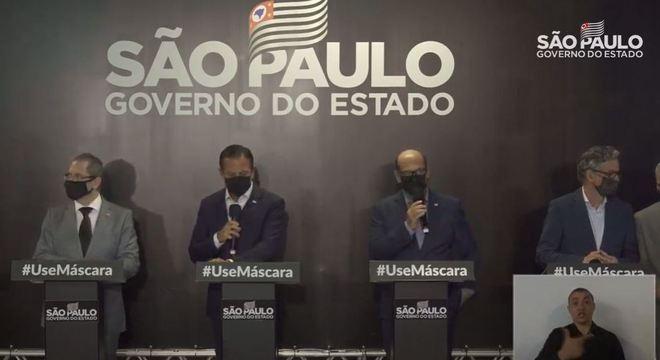 Doria anuncia chegada da 1º dose da vacina Coronavac a São Paulo