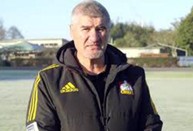 Colin Cooper: o defensor Cooper nasceu em 67 e é um dos grandes nomes do Middlesbrough, onde atuou por mais de 300 vezes. Após a aposentadoria, se dedicou a fazer comentários esportivos em uma rede britânica e, junto de sua mulher, abriu o fundo de caridade Finlay Cooper, para causas infantis.