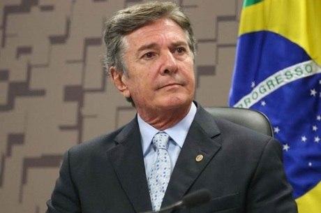 Collor pede perdão aos brasileiros por confisco da poupança em 1990