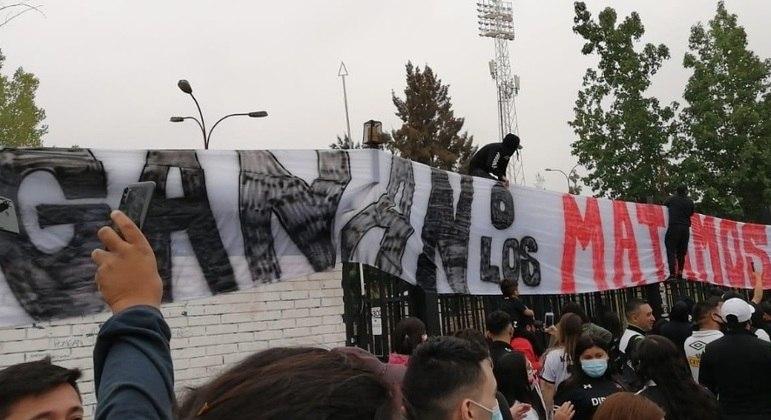 Torcida ameaçou jogadores do Colo-Colo em caso de rebaixamento