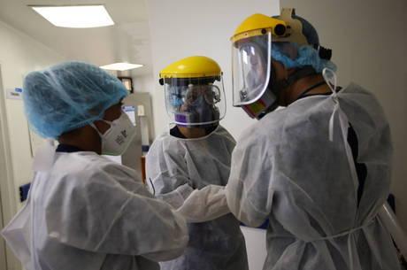 Colômbia passa China no número de casos de covid